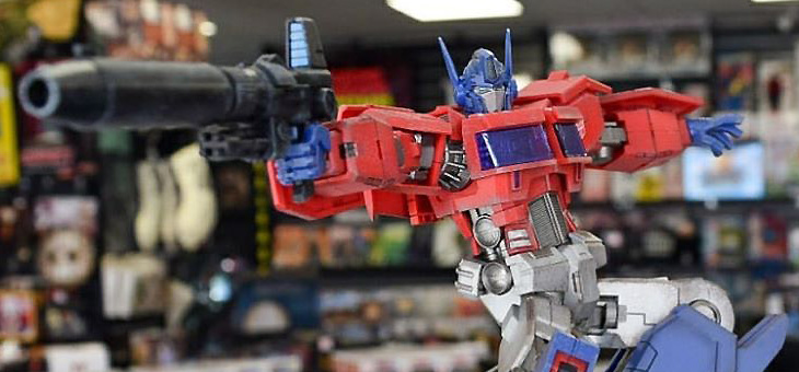 Furai Action Optimus Prime IDW Ver. Posable Figure